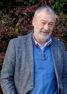 Dr George Ngaei